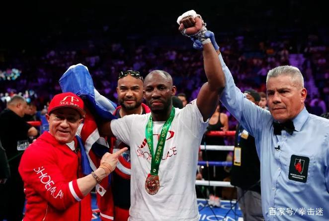 如愿以偿!34岁古巴老将乌加斯,今天正式登顶世界拳王宝座!