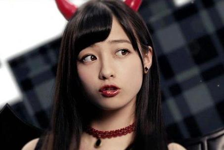 """日本""""千年美少女""""桥本环奈,有颜任性为所欲为,身体发福成大妈"""