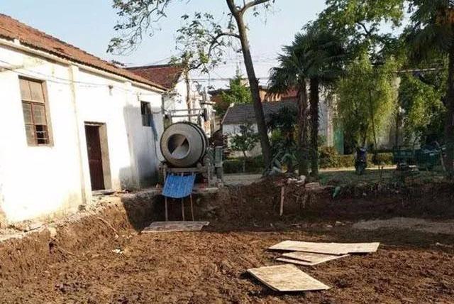 头次见自建房,地基用30吨水泥,近6万的成本,父母都不理解