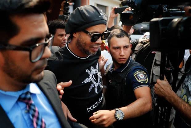 小罗被拘影响多大?巴拉圭移民局局长辞职 小罗一行8小时后被释放