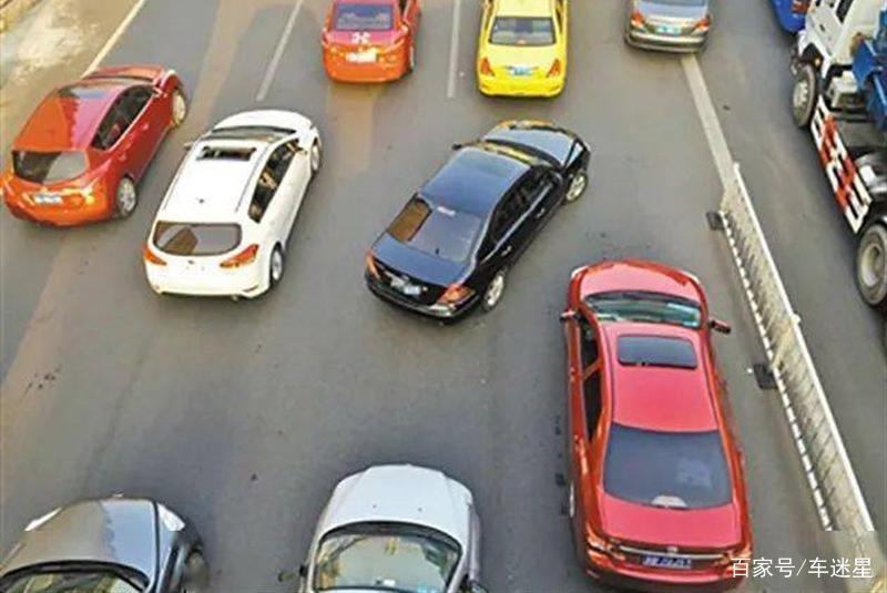 长时间开慢车有什么危害?老司机:不会开车可以,但别影响别人!