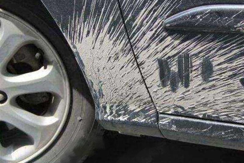 洗车不洗这3个地方,相当于白洗,洗车工:又有人来白白送钱了!